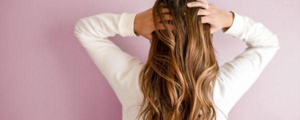 Soin des cheveux bouclés